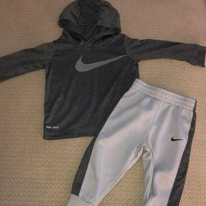 Nike outfit size 18 months